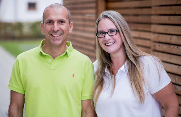 Dr. Frank Häfner mit Assistentin Bettina Rupp | Dr. Frank Häfner – Ihr ganz persönlicher Zahnarzt